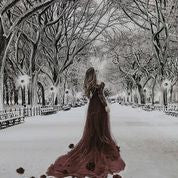 NY Central Park Lady In Dress (CL)