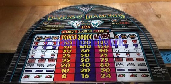 IGT S-2000 Dozens of Diamonds 3 Credit Round top Glass