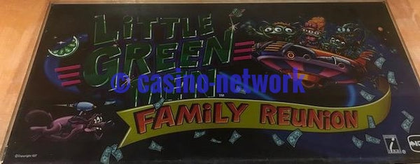 "IGT I Game 19"" Little Green Men Family Reunion Belly Glass"