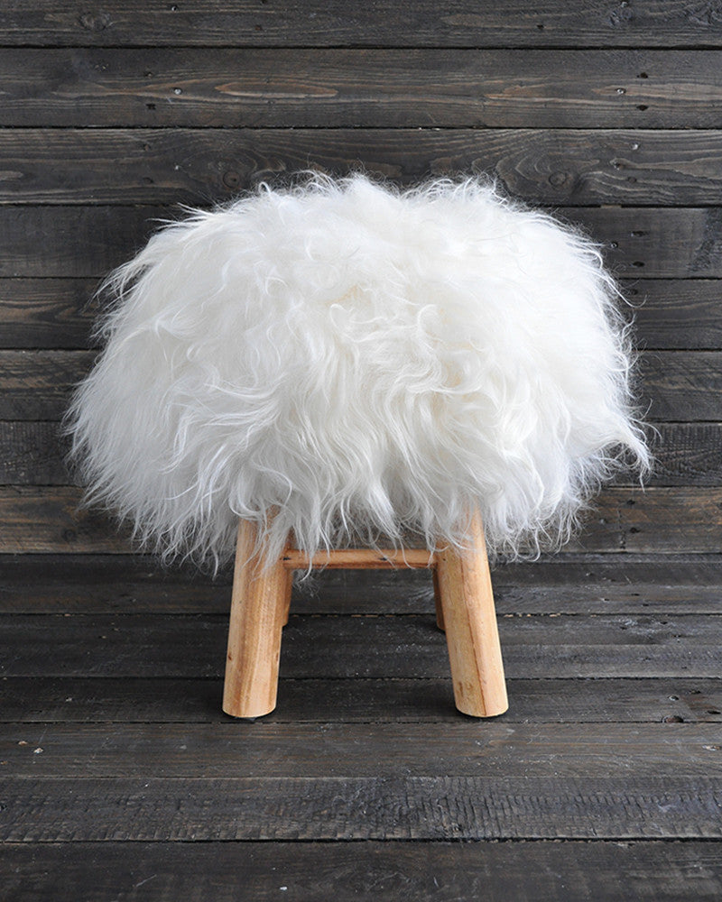 The Bèèèh Stool - Wit