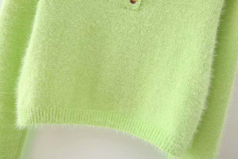 Load image into Gallery viewer, Green Fluffy Button Crop Sweater