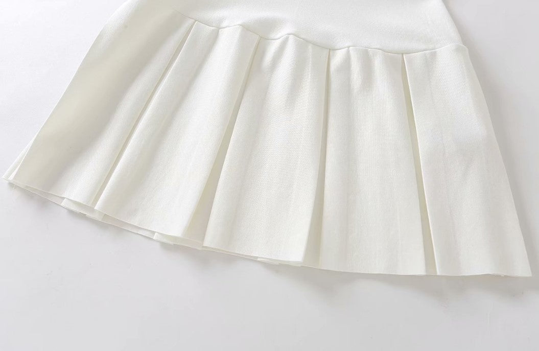 Load image into Gallery viewer, White Pleated Mini Skirt