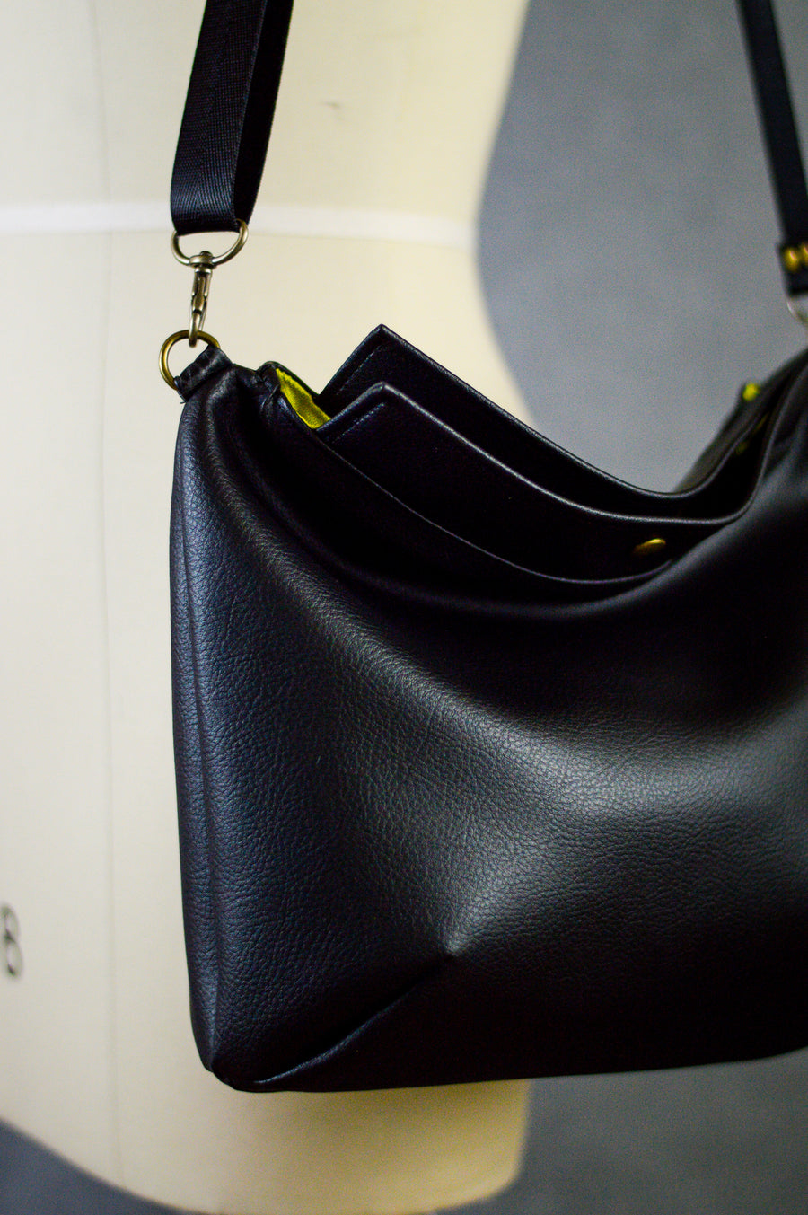 Mia Satchel | Little Black Bag