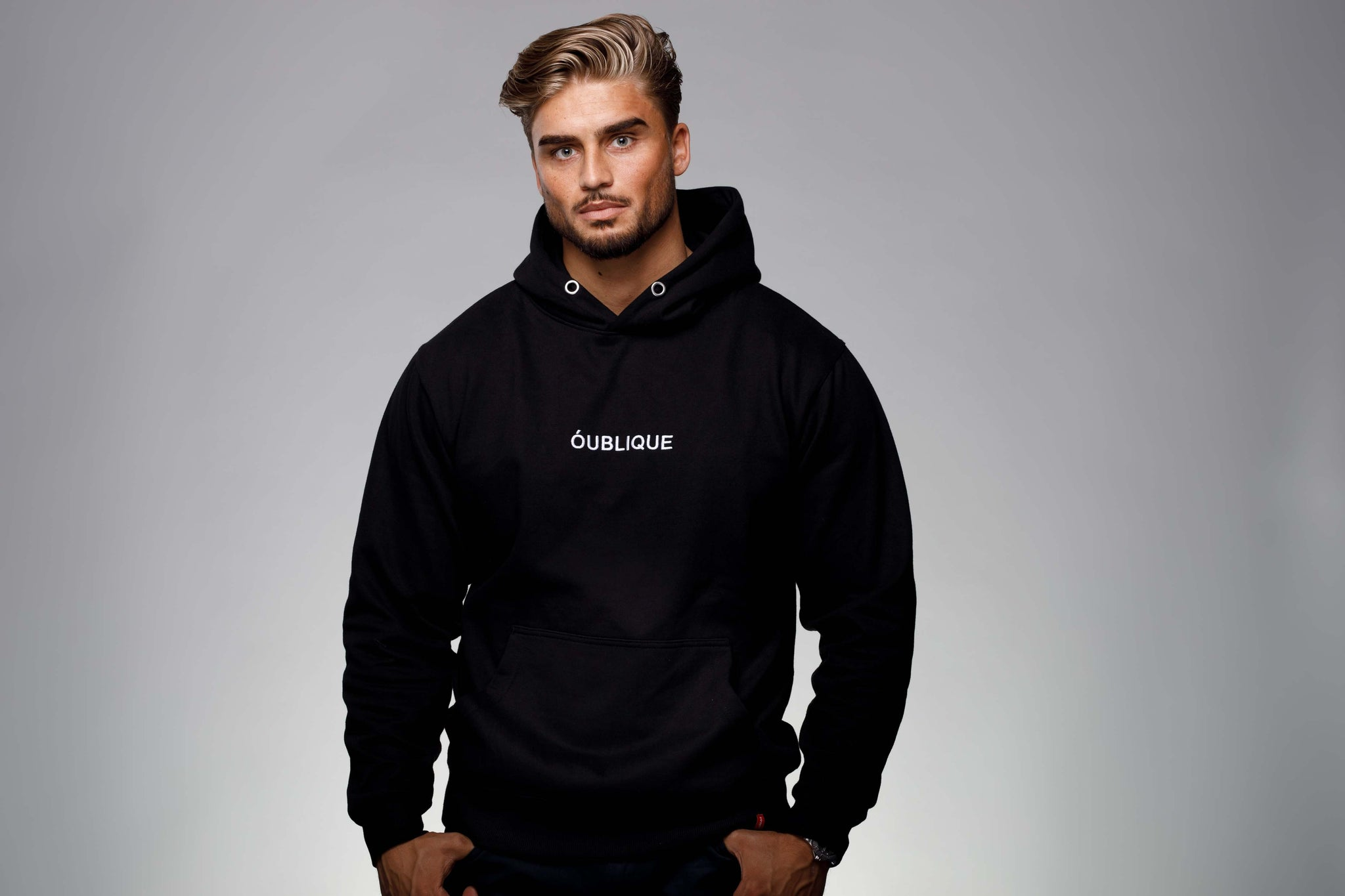 EMBROIDED ÓUBLIQUE HOODY