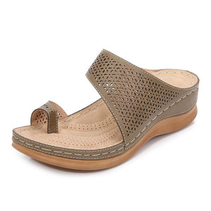 [Buy 2 Free Shipping]Ladies with hollowed-out toe wedge slippers