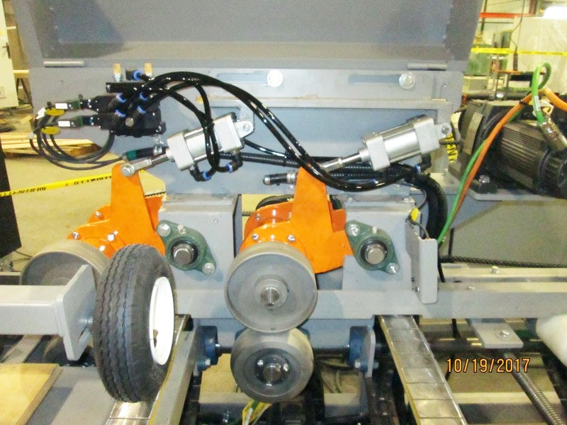 ATR-400 High Capacity Lateral Chain Feeder - ressurized steel wheels,