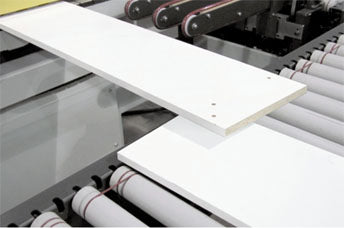BT3 Conveyor design prevents interference from panels moving in opposite directions