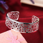 Load image into Gallery viewer, bracelet bangle with elegant motifs