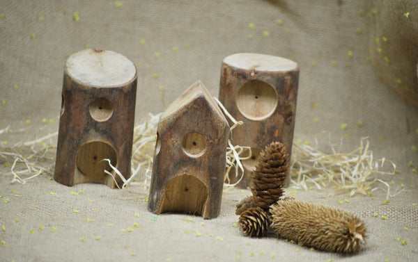 Wooden Log Houses (set of 5)