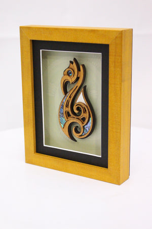 Medium Framed Hook