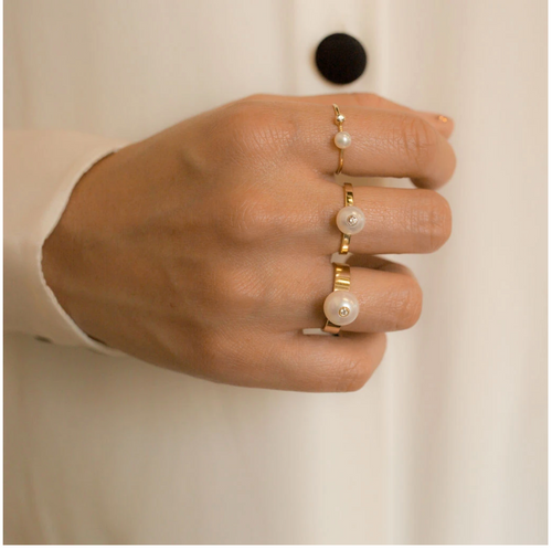 POPPY FINCH - Large Pearl Diamond Ring