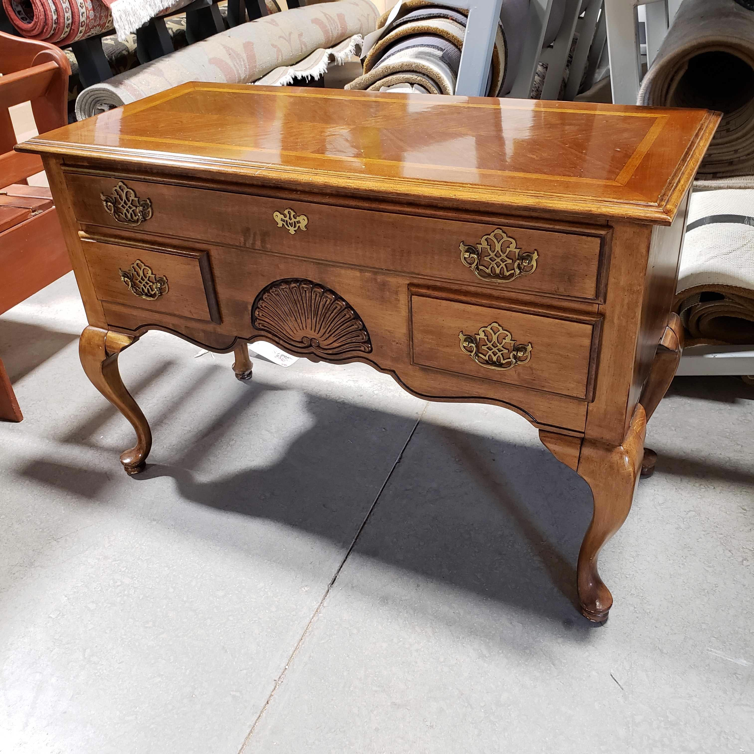 "40""x 18""x 27"" Wood 3 Drawer with Bowed Legs Chest Dresser"