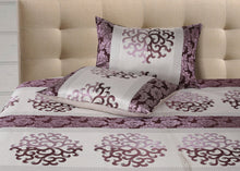 Load image into Gallery viewer, Twinning Thread Mauve Bedcover
