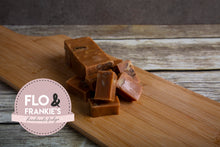 Load image into Gallery viewer, Maple and Walnut Fudge