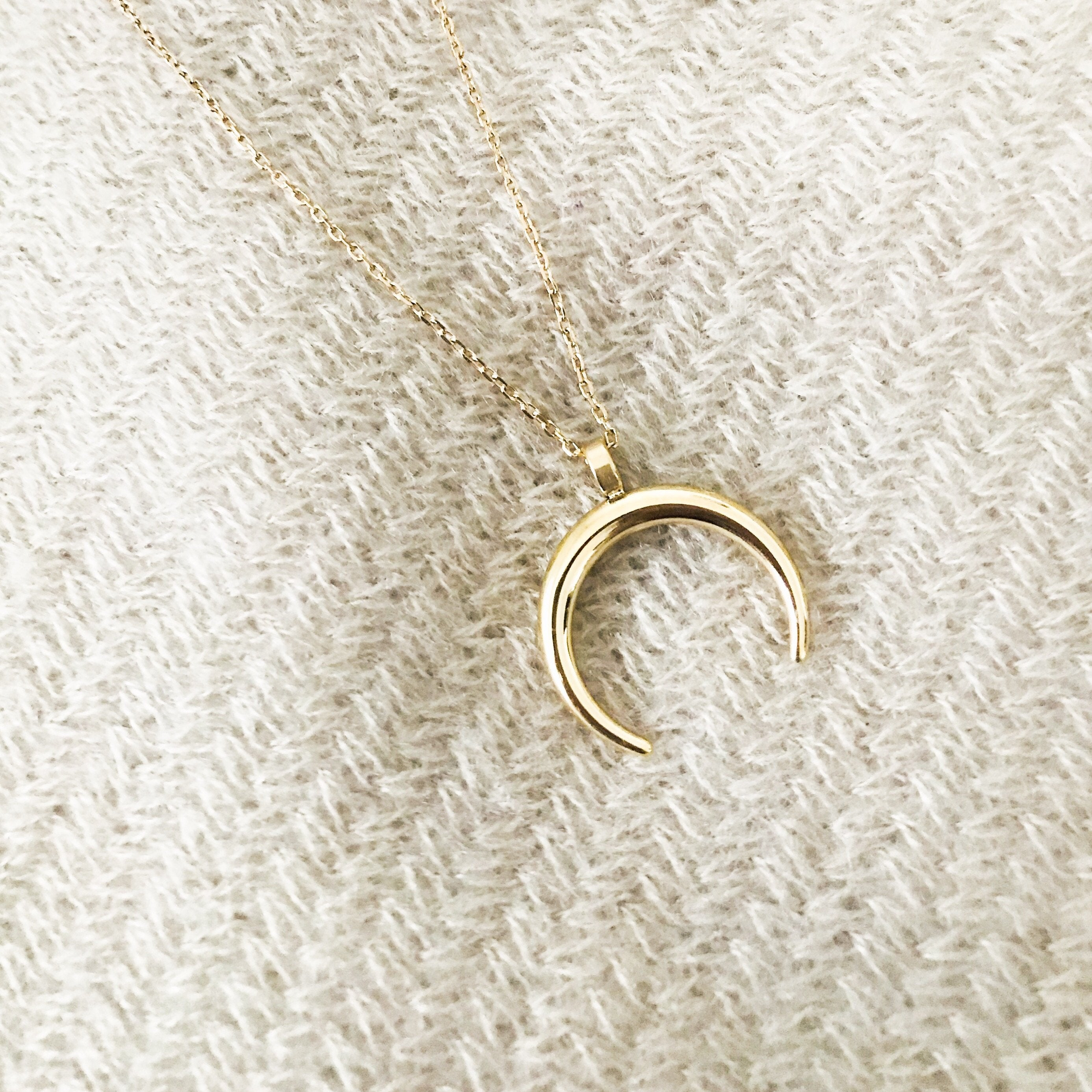 Gold Half Moon - Necklacescharm