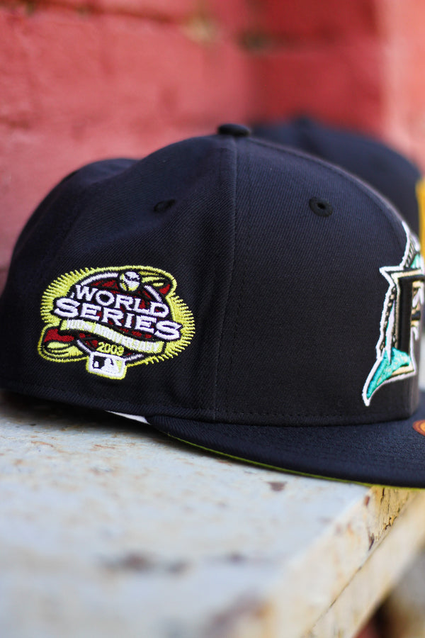 2003 FLORIDA MARLINS NAVY FITTED W/ KIWI UNDER VISOR