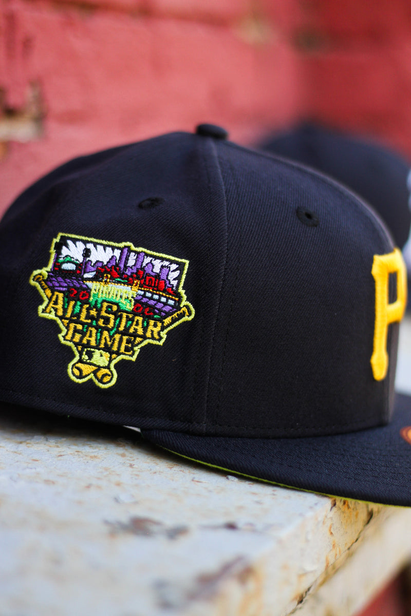 2006 PITTSBURGH PIRATES NAVY FITTED W/ KIWI UNDER VISOR
