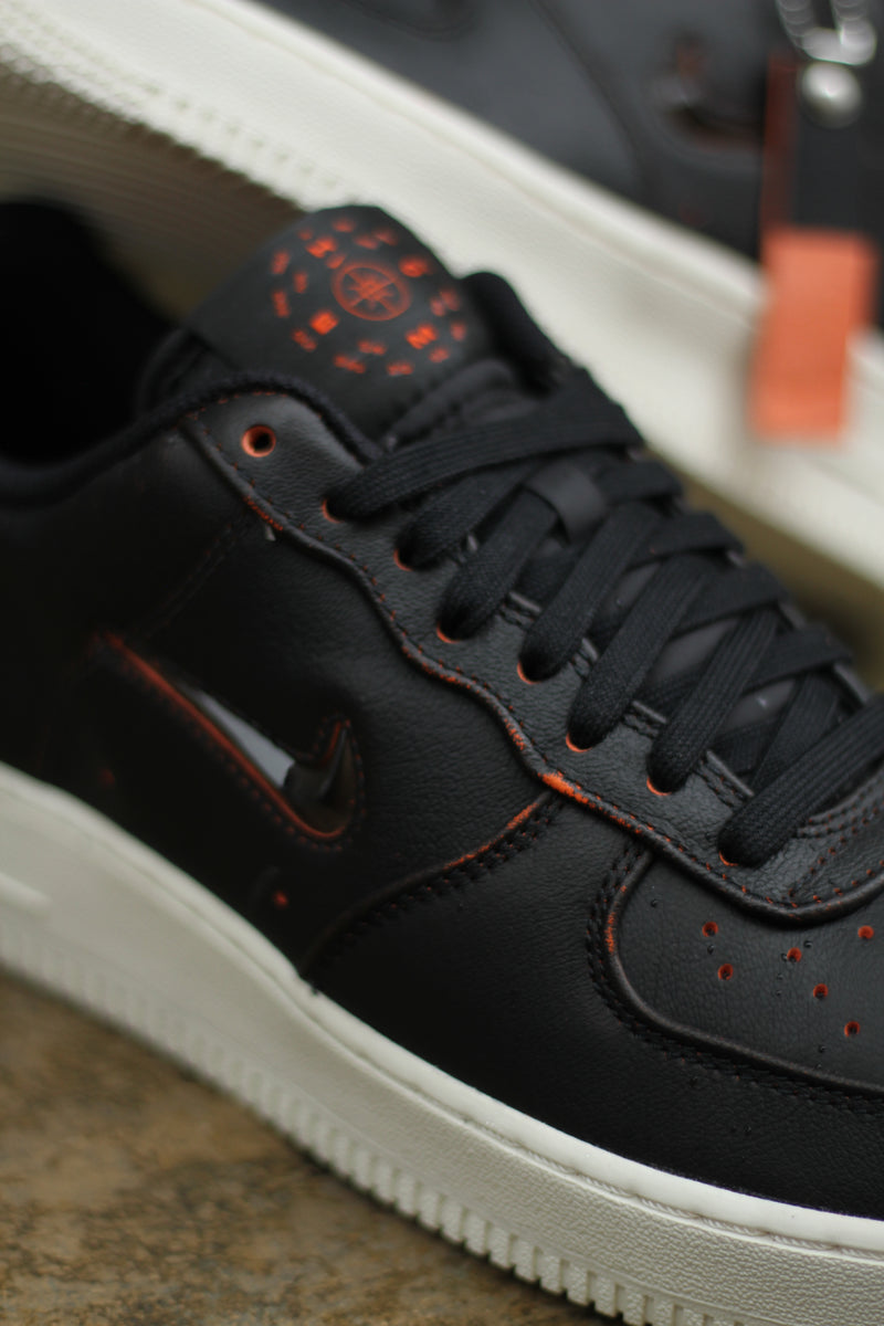 "AIR FORCE 1 PRM ""HOME AND AWAY BLACK"""