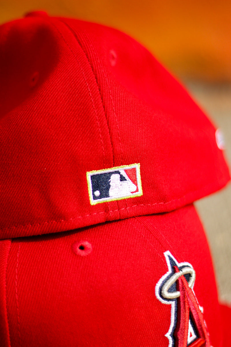 2002 ANAHEIM ANGELS RED FITTED W/ KIWI UNDER VISOR