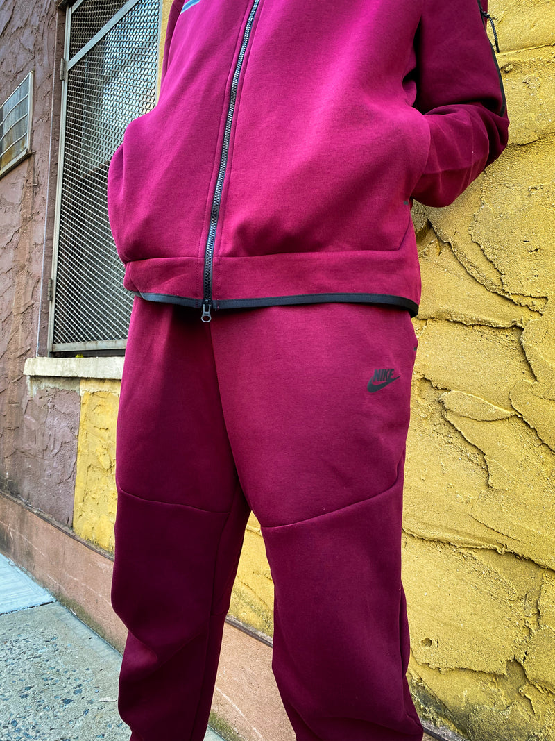 "NSW TECH FLEECE HOODIE ""DARK BEETROOT"""