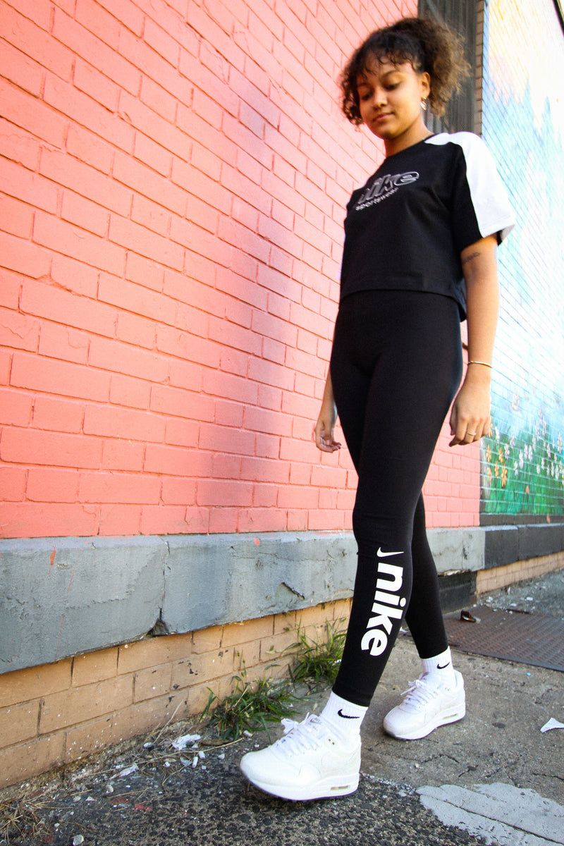 "W NSW LEGGING ""BLK/WHT"""