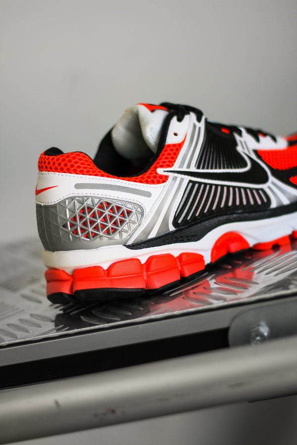 "ZOOM VOMERO 5 SE ""BRIGHT CRIMSON"""