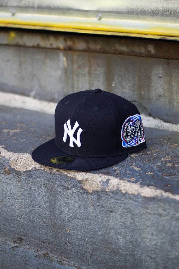 2000 NEW YORK YANKEES NAVY FITTED W/ GREY UNDER VISOR