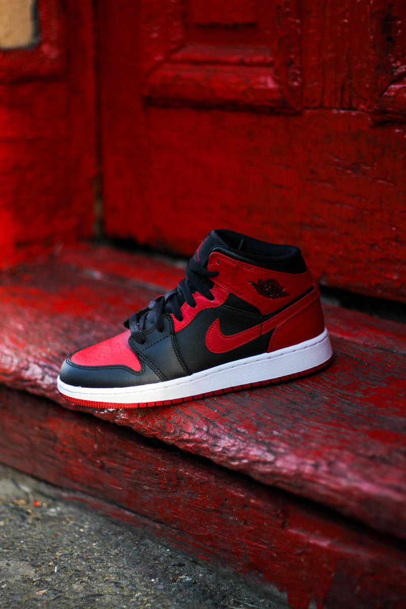 "AIR JORDAN 1 MID (GS) ""BRED"""