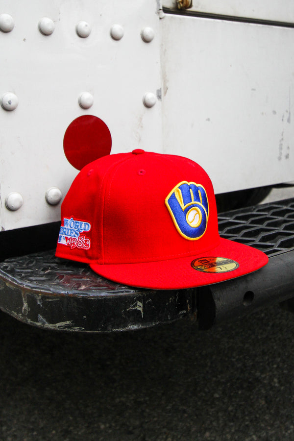 1982 MILWAUKEE BREWERS RED FITTED W/ GREY UNDER VISOR