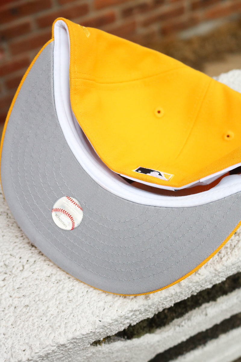 1985 CHICAGO WHITE SOX YELLOW FITTED W/ GREY UNDER VISOR