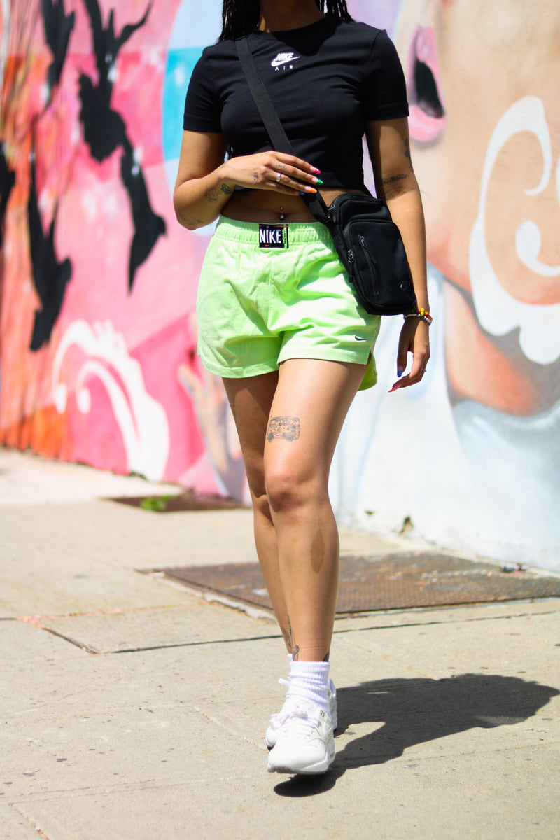 "W NSW HIGHWAISTED SHORTS ""GREEN GHOST"""