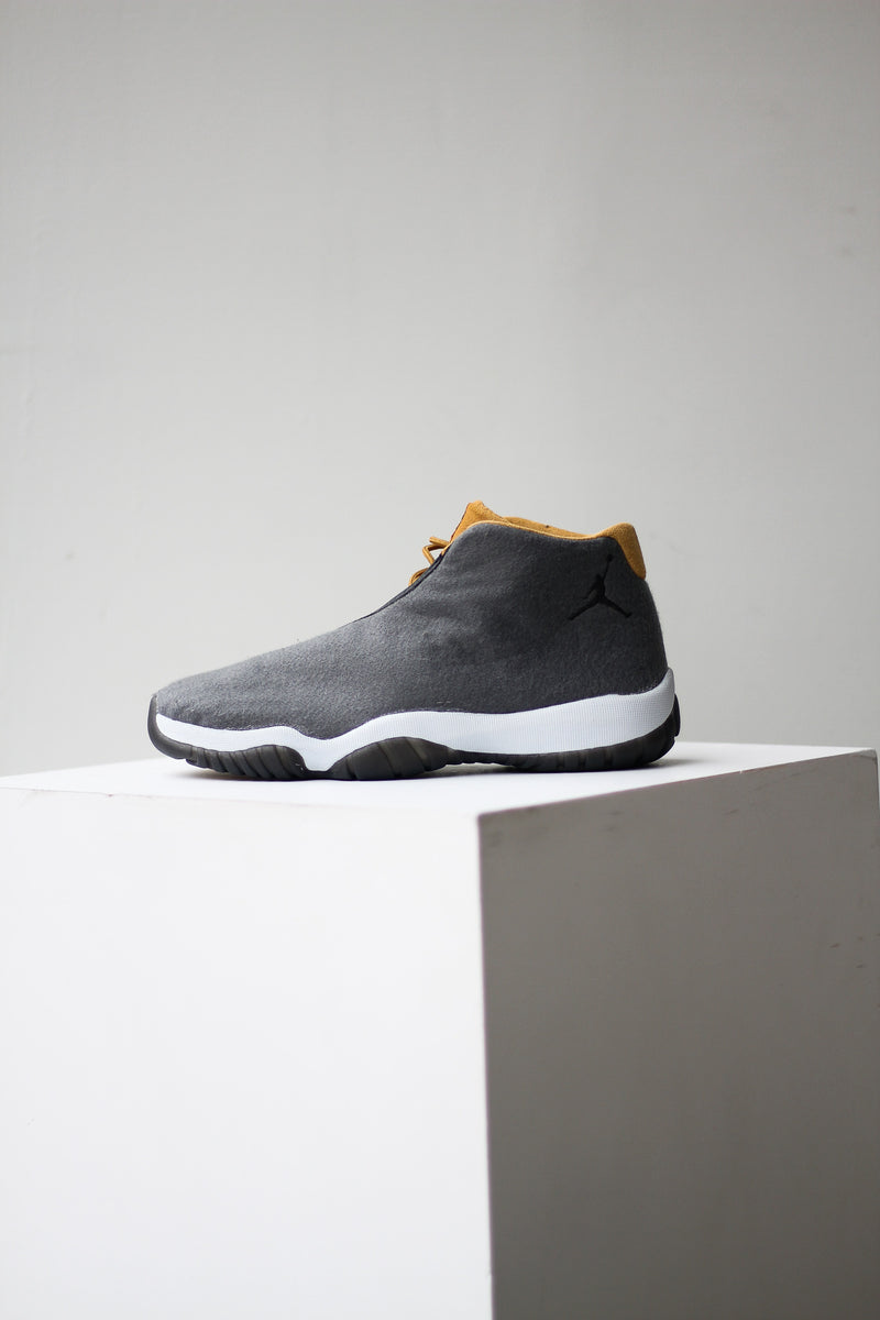"JORDAN FUTURE ""DARK GREY"""