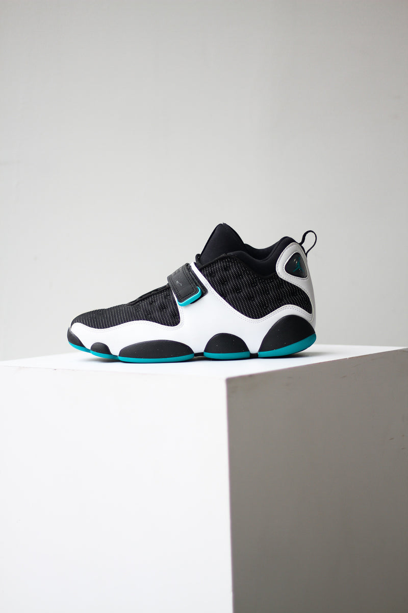"JORDAN BLACK CAT ""TURBO GREEN"""