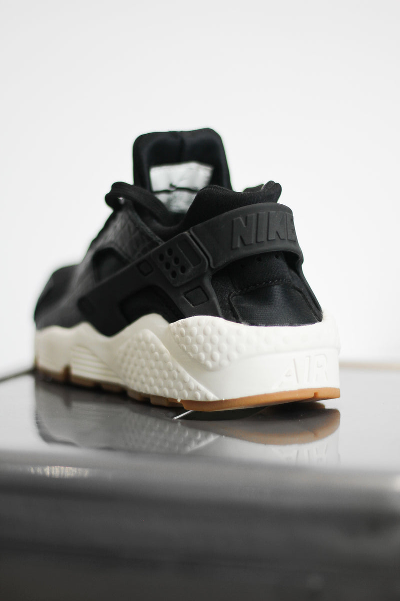 "W AIR HUARACHE RUN PRM ""BLACK SNAKESKIN"""