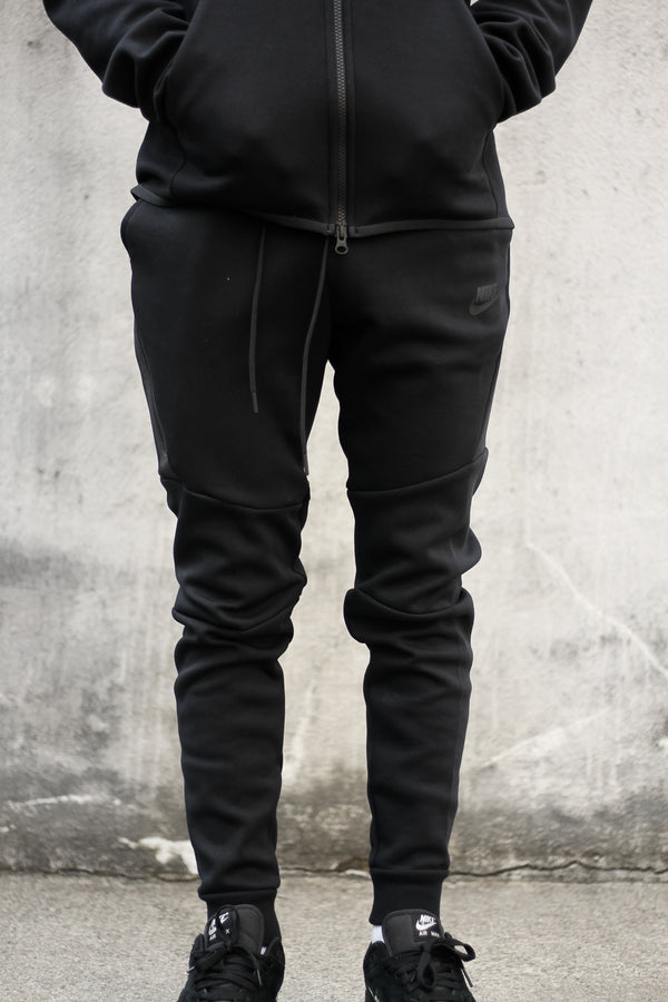 "NSW TECH FLEECE JOGGER ""BLACK"""