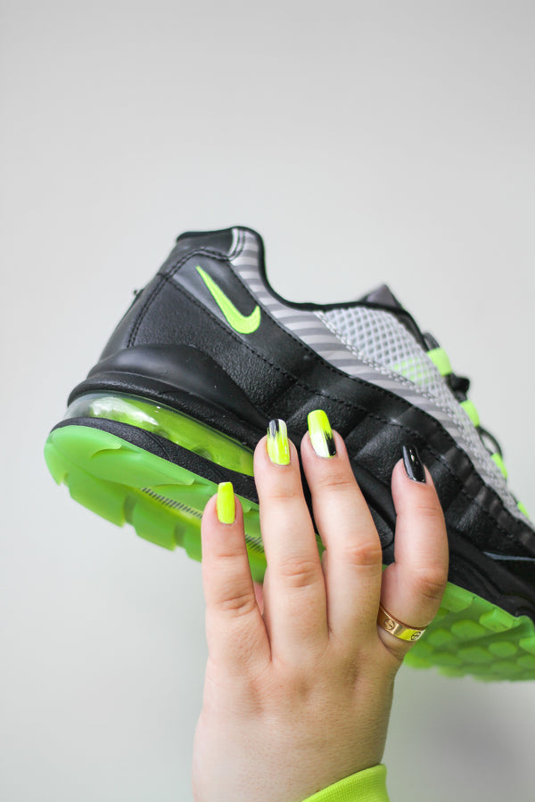 "NIKE AIR MAX 95 HZ ""GUNSMOKE/VOLT"""