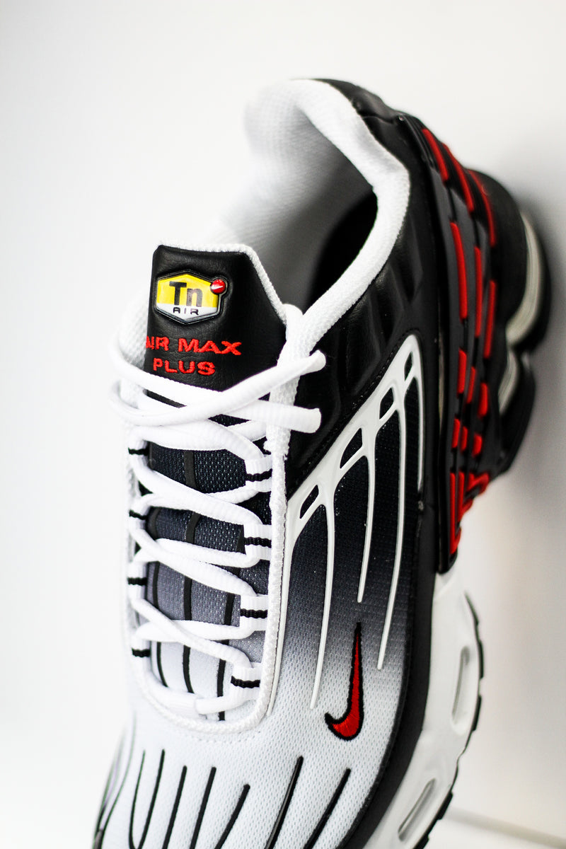 "AIR MAX PLUS III ""BLACK/UNI RED"""
