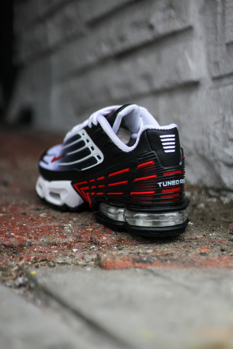 "NIKE AIR MAX PLUS III ""BLK/UNI RED"""