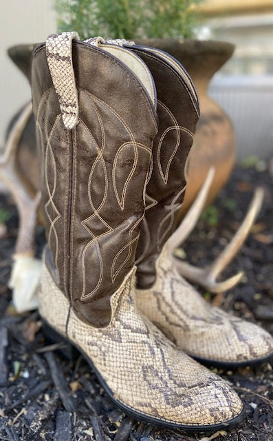 Vintage inspired Faux Python Skin Cowboy Boots. These are in remarkable condition with very little wear. A great price too for these cowboy boots!
