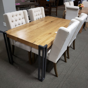Searcy Collection Dinning Table with 4 Chairs