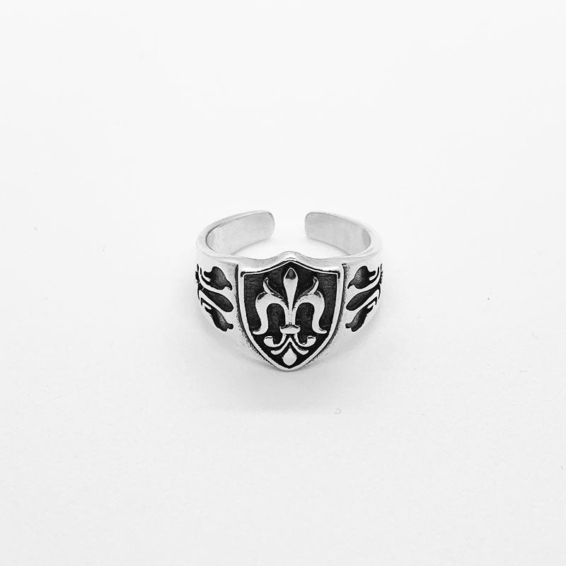 .925 Fleur De Lis Shield Ring | Invicta London
