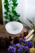 Load image into Gallery viewer, Selenite Crystal Round Bowl