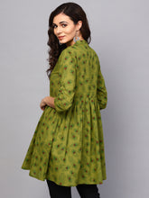 Load image into Gallery viewer, Queen ellie Women Green Printed Tunic