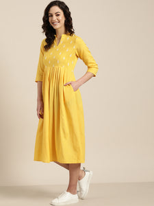 Queen ellie Women Yellow & White Solid A-Line Dress