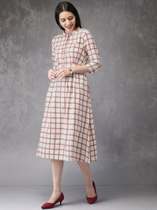 Queen ellie Women Off-White & Red Checked A-Line Kurta