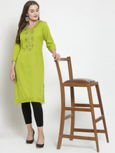 Load image into Gallery viewer, Queen ellie Women Green Solid Straight Kurti
