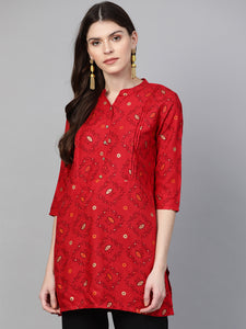 Queen ellie Women Red & Golden Printed Straight Kurti