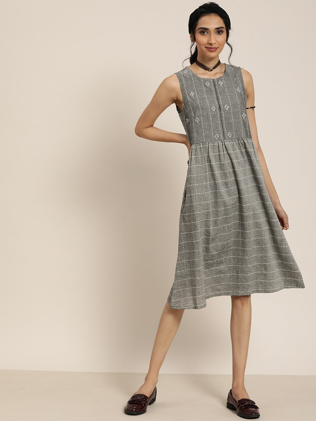 Queen ellie Women Grey & White Lambani Checked A-Line Dress With Embroidered Detail