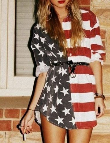 Baggy-Dress-4th-July-Outfit