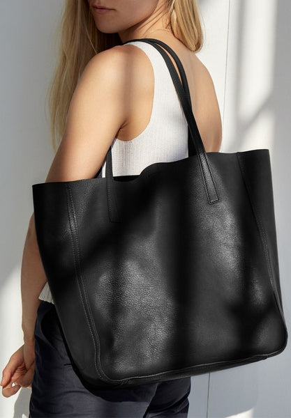 Casual-Outfit-Large-Black-Tote-Bag